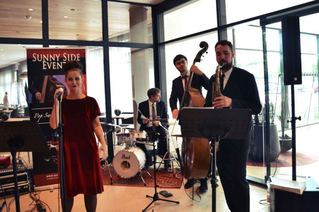Band für Hochzeit, Firmenevent, Sängerin, Saxophon, Piano, Kontrabass Hotel Melchior Park Würzburg