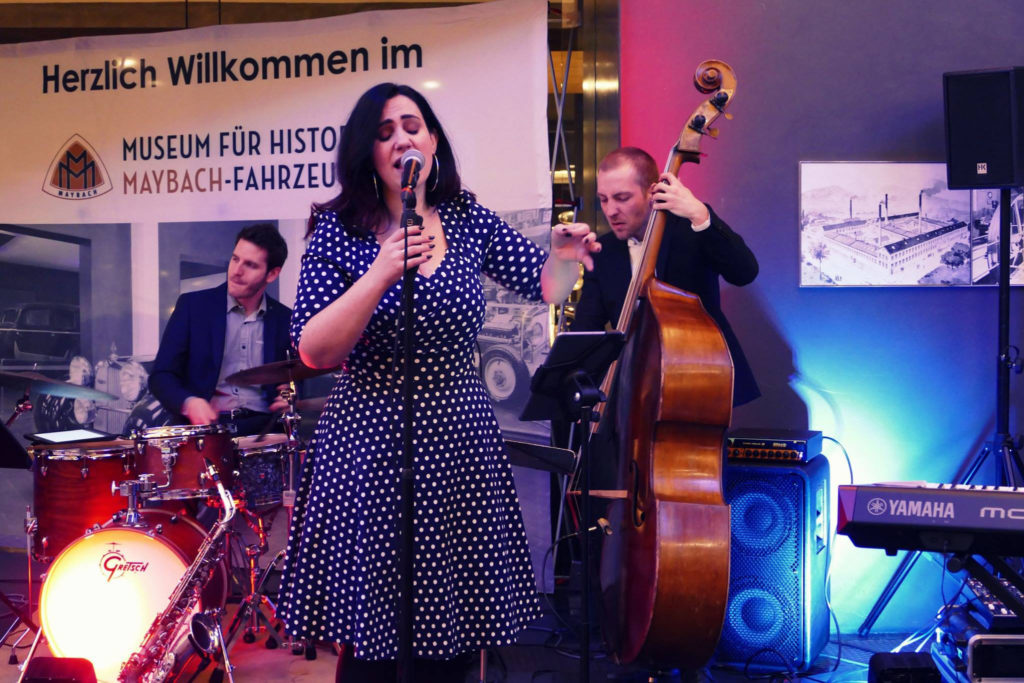 Firmenevent in Maybach Museum mit Band Sunny Side