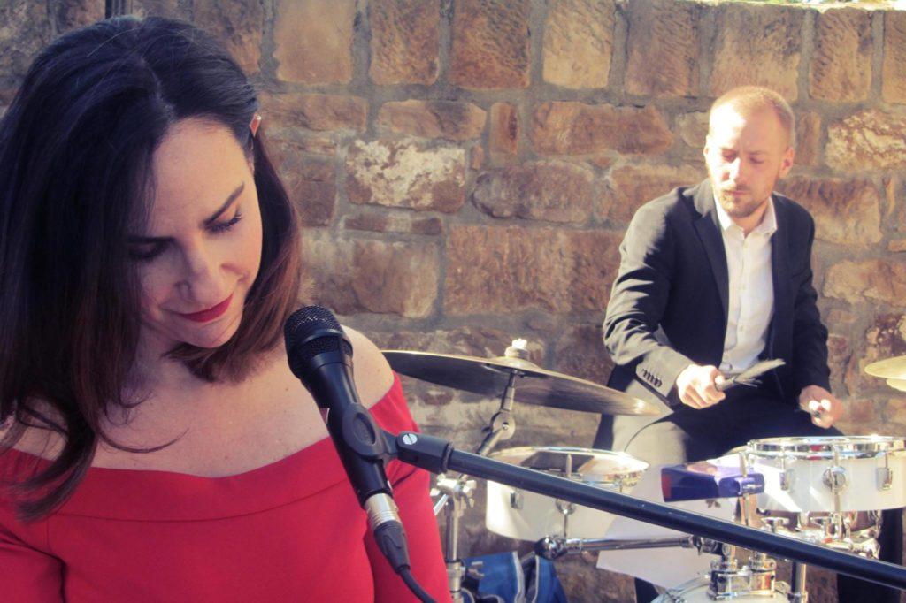 Band für Hochzeit, Firmenevent, Sängerin, Saxophon, Piano, Kontrabass, Freihof Prichsenstadt