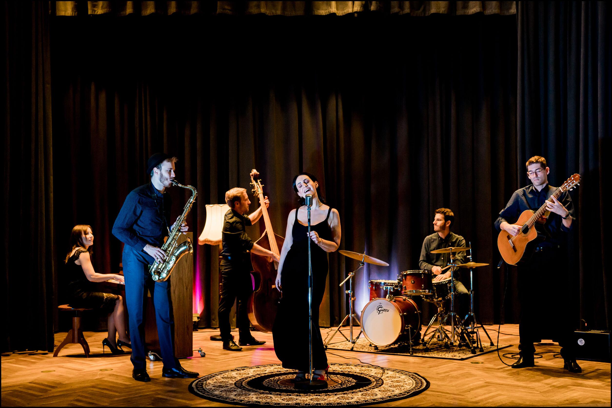 Sunny Side Jazzband, Hochzeitsband, SängerinA2045